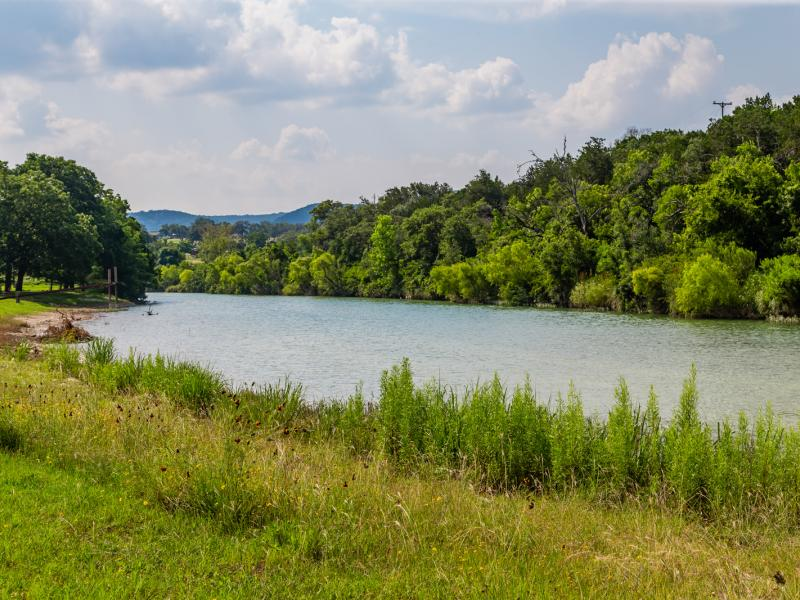 creek and riverbank working cattle ranches for sale in texas