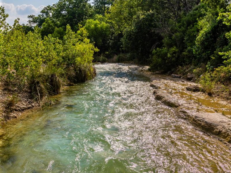 flowing river texas hill country hunting ranches for sale