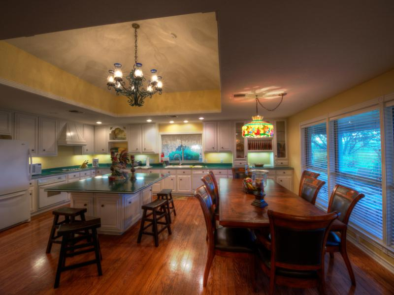 Turtle Creek Ranch with its large kitchen for sale in Texas