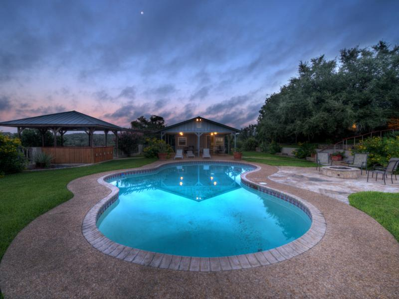 Turtle Creek Ranch with a large pool for sale in Texas