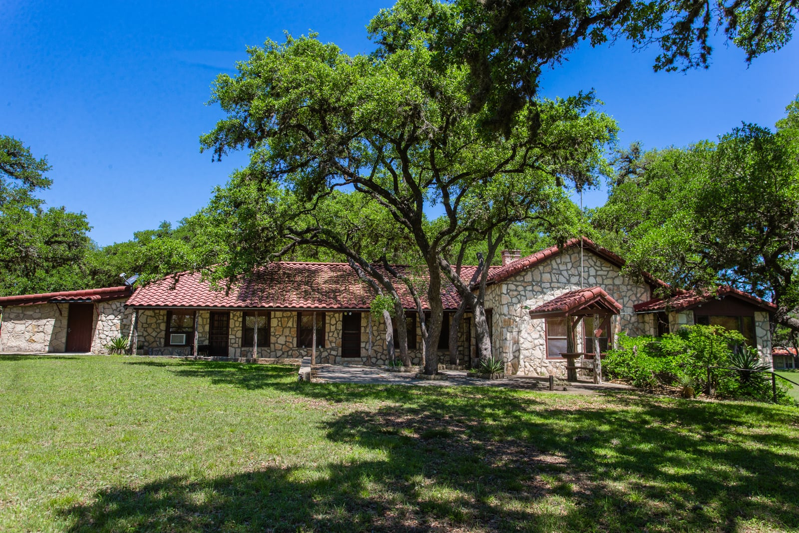 stone house ranches in texas