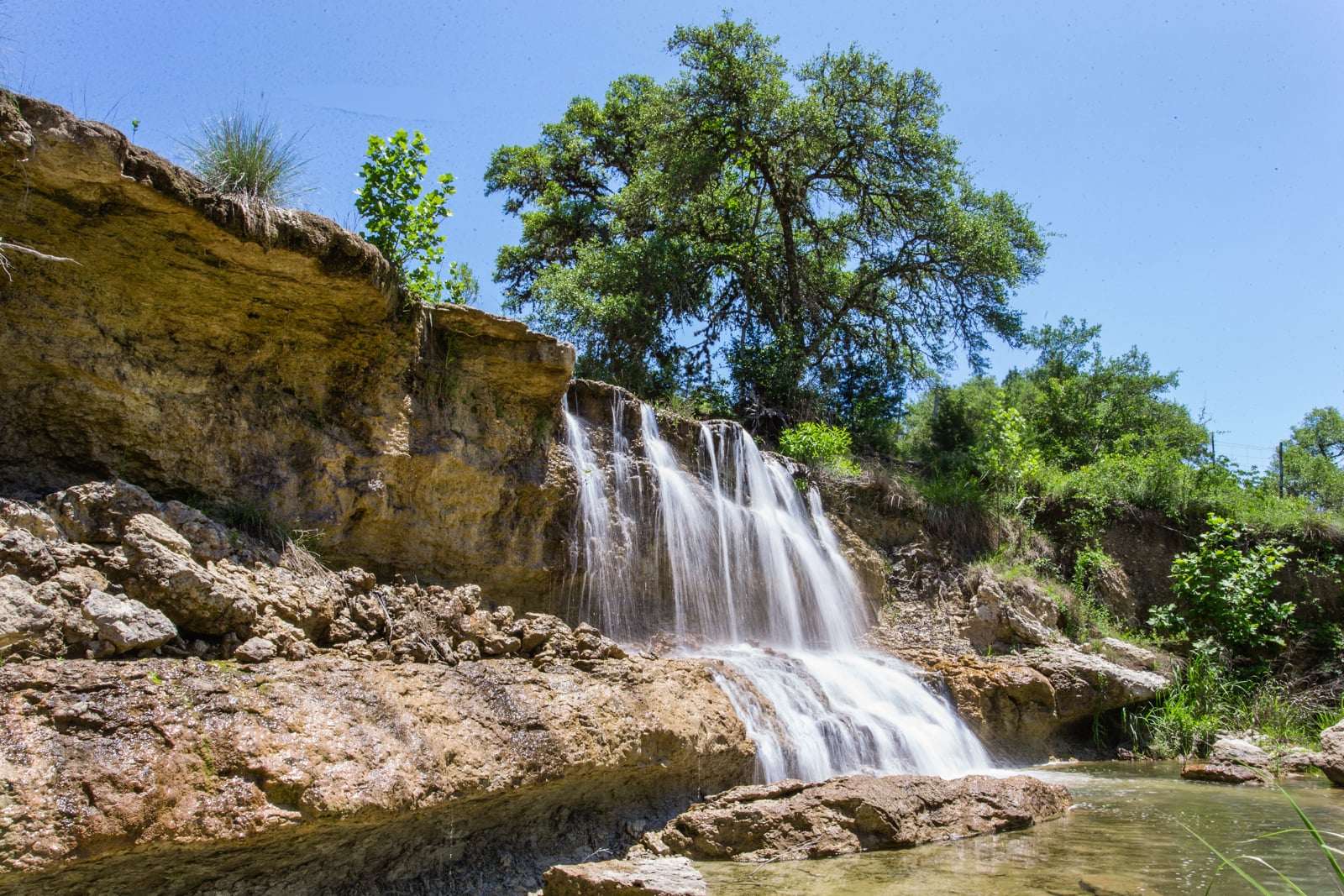 large waterfall hunting land for sale in texas
